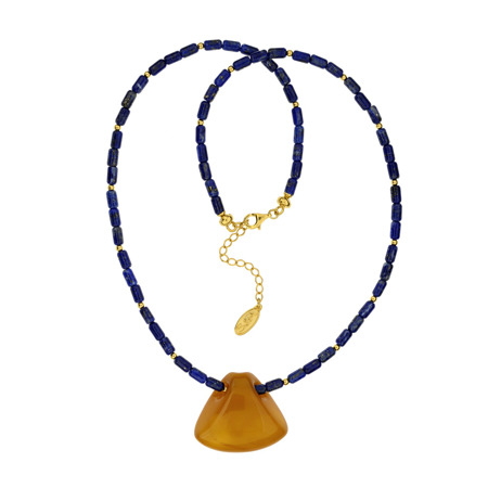 Necklace with amber
