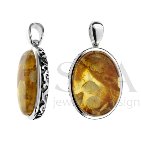 Unique pendant with amber